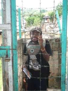 Yusak, selama salah satu mantra di penjara - Swasta  Big penjara, sedikit penjara