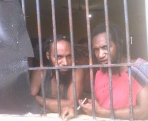 Tahanan dari kasus 'Timika 6', baru-baru ini dirilis setelah delapan bulan penjara karena kegiatan politik - Private