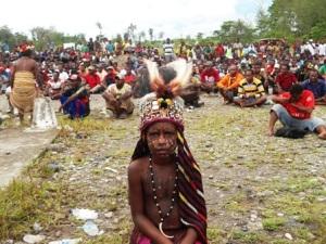 putri Yahukinmo Papua 7, berbusana cawat